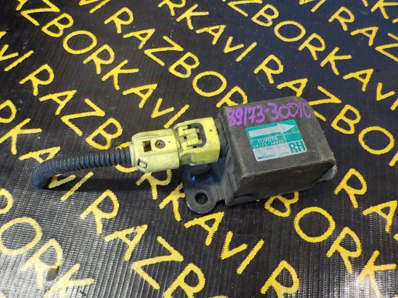 Датчик airbag Toyota Crown JZS145 2JZGE