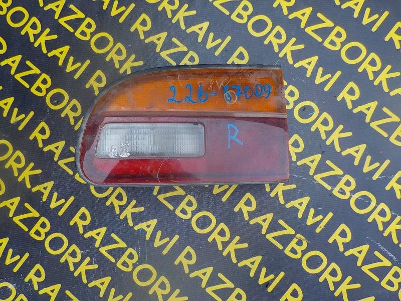 Стоп-вставка Mitsubishi Delica PD8W задняя правая