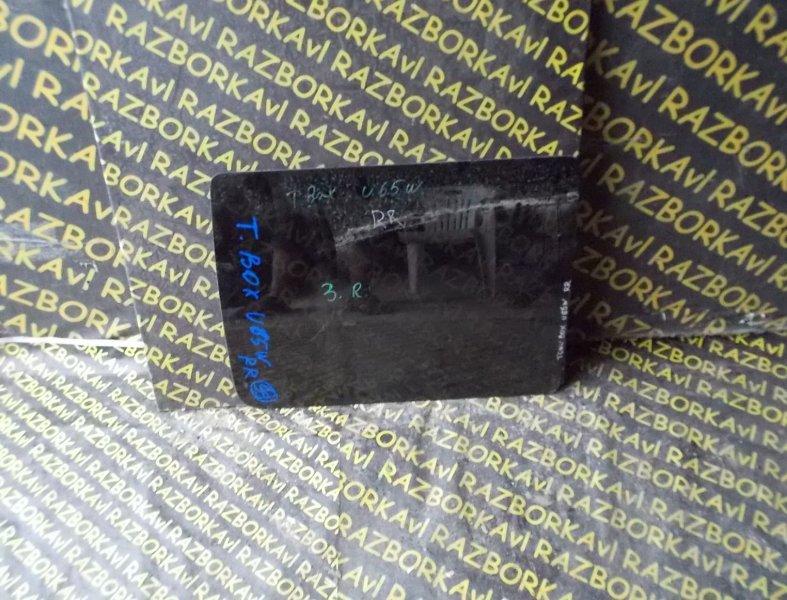 Стекло собачника Mitsubishi Town Box Wide U65W заднее правое