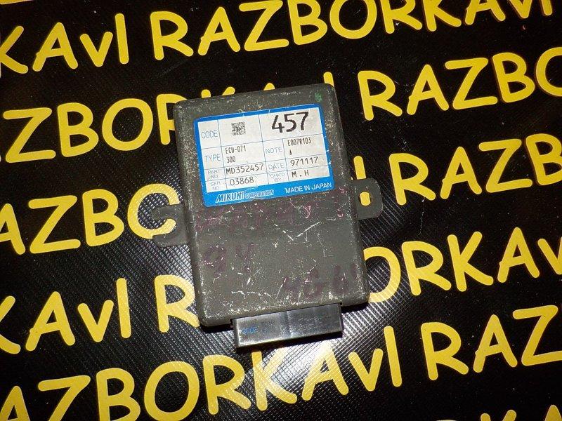 Блок управления инжекторами Mitsubishi Chariot Grandis N94W 4G64