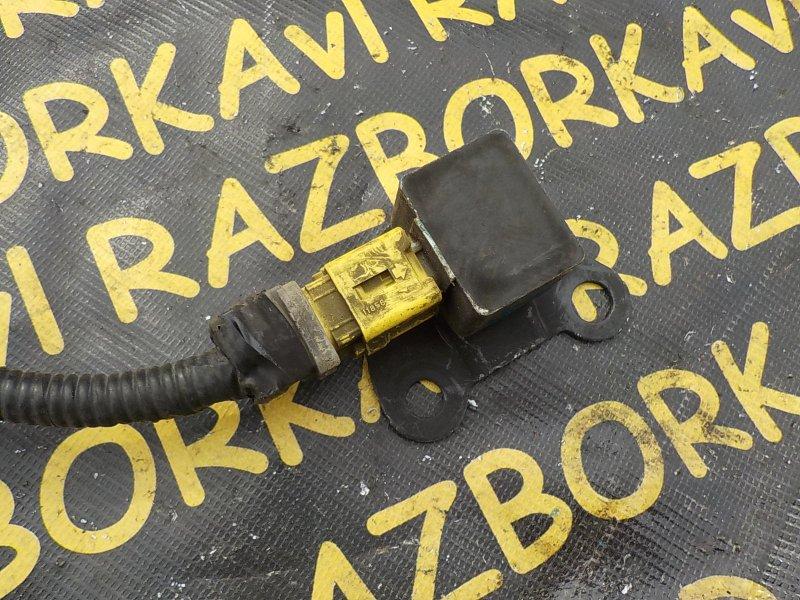 Датчик airbag Toyota Vista Ardeo SV50