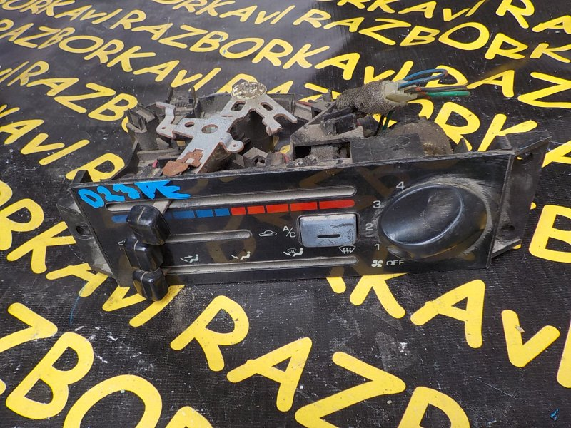 Блок управления климат-контролем Mazda Festiva D23PF