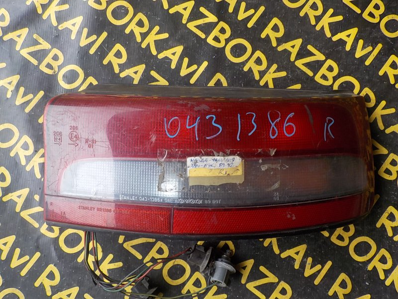Стоп-сигнал Mazda Familia BG3S задний правый