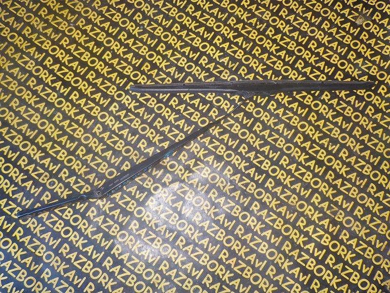 Поводок стеклоочистителя Nissan Laurel HC35