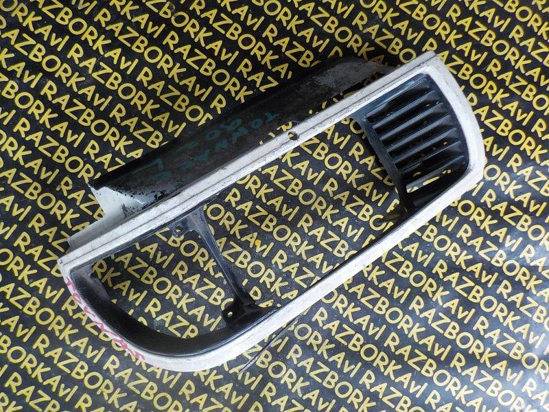 Очки на фары Toyota Town Ace CR36 передние левые