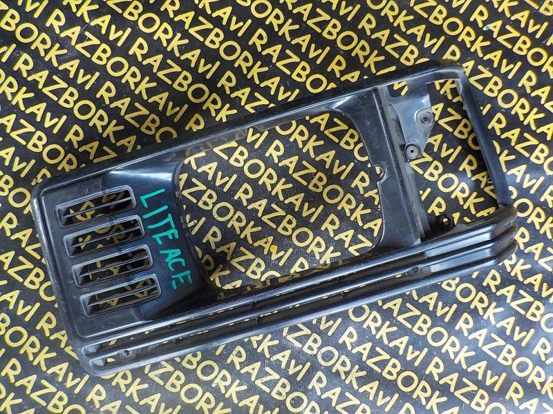 Очки на фары Toyota Lite Ace YM30 передние левые