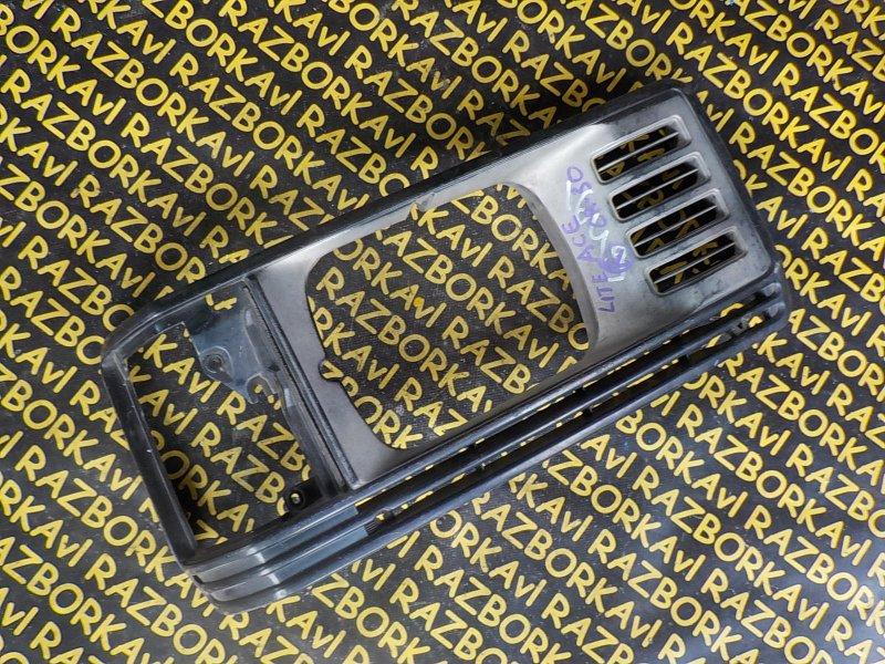 Очки на фары Toyota Lite Ace CR30 передние правые