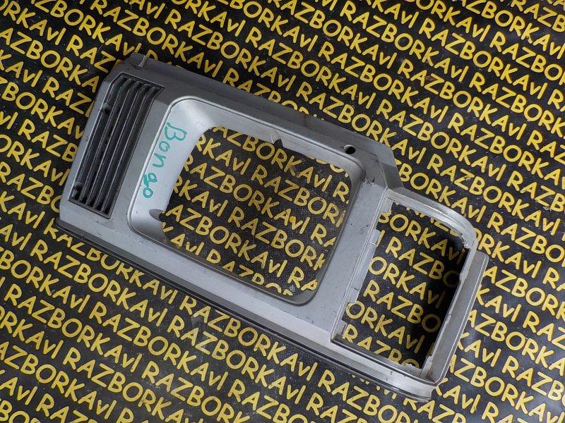 Очки на фары Mazda Bongo SSF8R передние правые