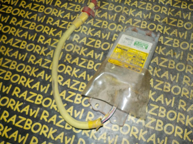 Блок управления airbag Toyota Ipsum CXM10 3CTE