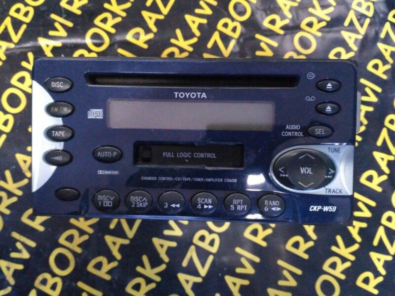 Автомагнитофон Toyota Rav4 ZCA26 1ZZFE 2000