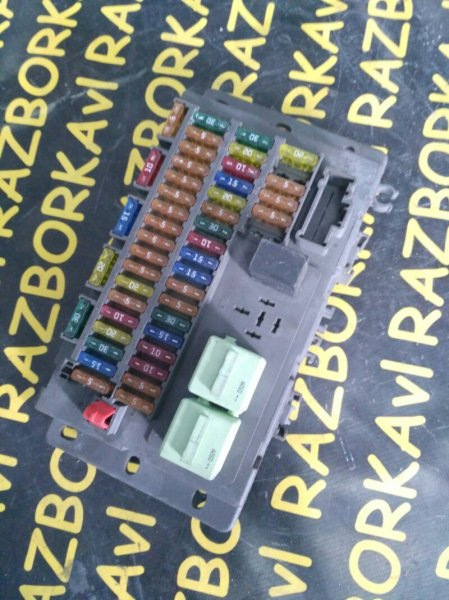 Блок предохранителей Mini Cooper R50 W10B16A 2002