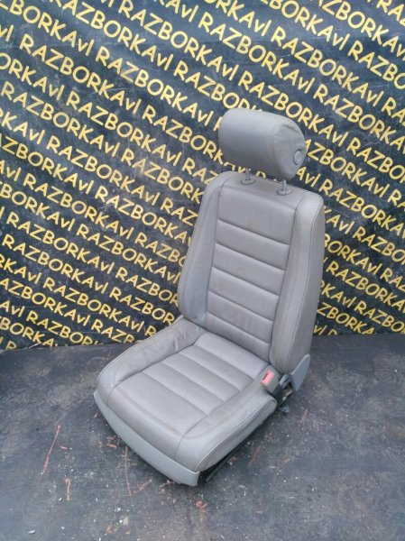 Сидение Volkswagen Touareg 7LA AXQ 2005 переднее правое