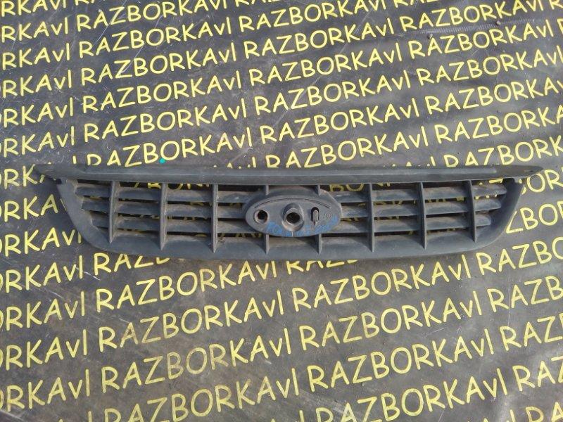 Решетка радиатора Ford Focus CB4 2008 передняя