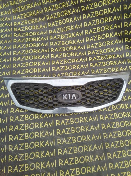 Решетка радиатора Kia Sorento XM D4HA передняя