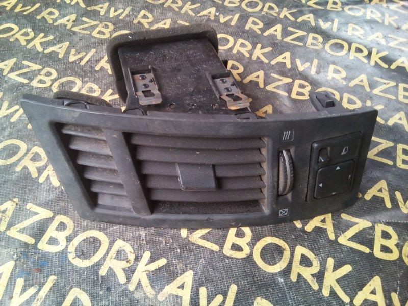 Дефлектор воздушный Infiniti Fx45 S50 левый