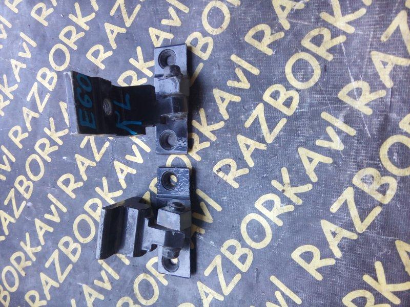 Петля дверная Bmw 5-Series E60 задняя левая