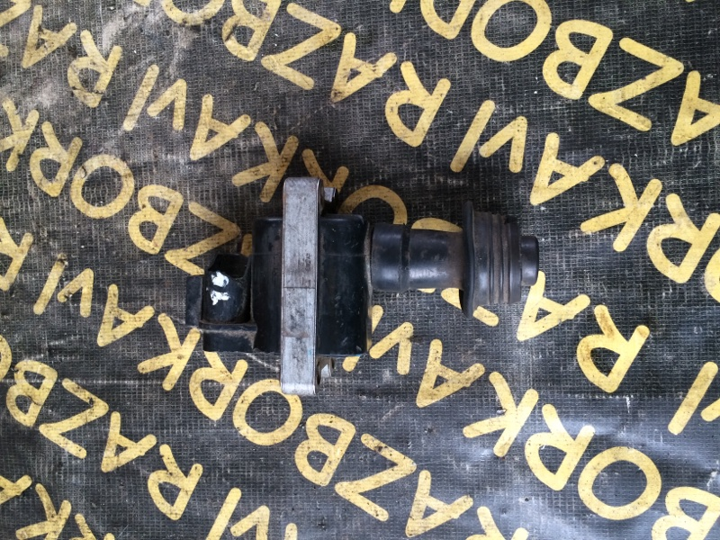 Катушка зажигания Nissan Cedric PY31 VG20