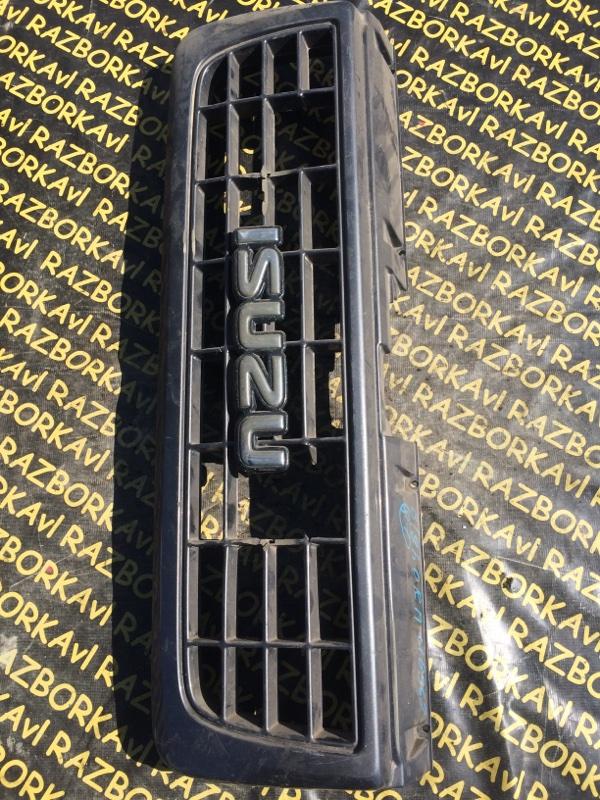 Решетка радиатора Isuzu Bighorn UBS69 передняя
