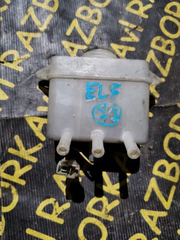 Бачок для тормозной жидкости Isuzu Elf NKR58E