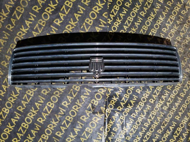 Решетка радиатора Toyota Crown GS141 передняя