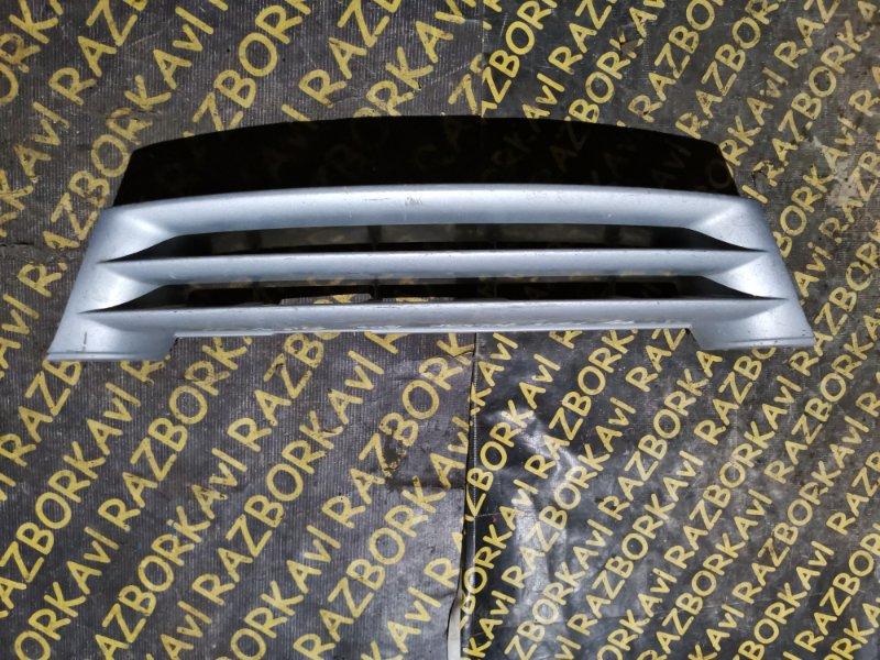 Решетка радиатора Nissan Pulsar FN15 передняя