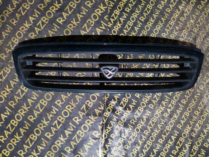 Решетка радиатора Mazda Mpv LVLR передняя