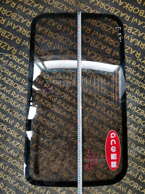 Стекло собачника Mitsubishi Delica P35W заднее правое