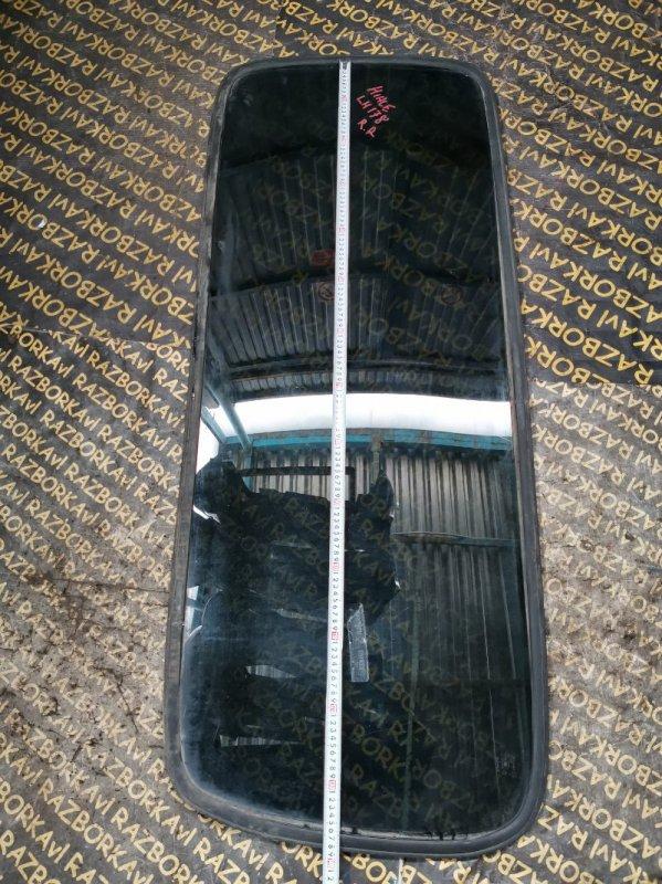 Стекло собачника Toyota Hiace LH178 заднее правое