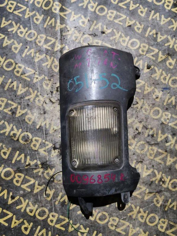 Габарит Mazda Titan WGFAT передний правый