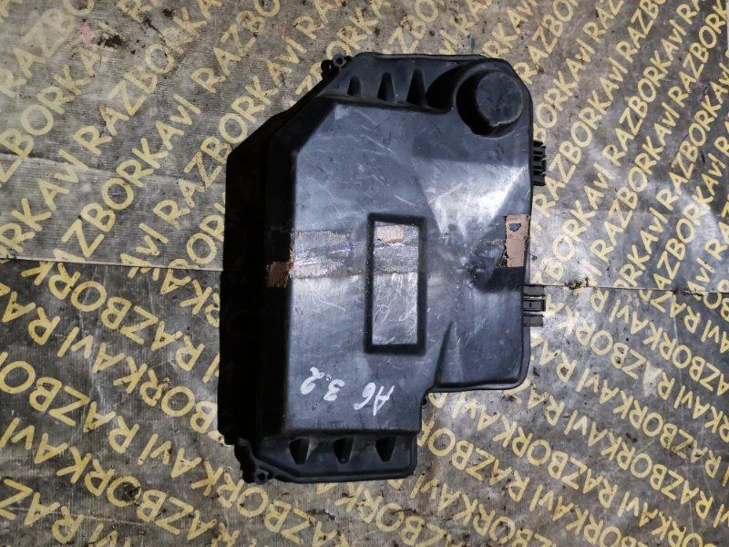 Крышка блока предохранителей Audi A6 4F2