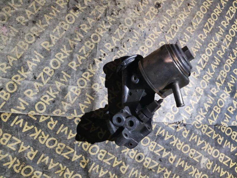 Крепление масляного фильтра Nissan Largo KUGNC22 LD20