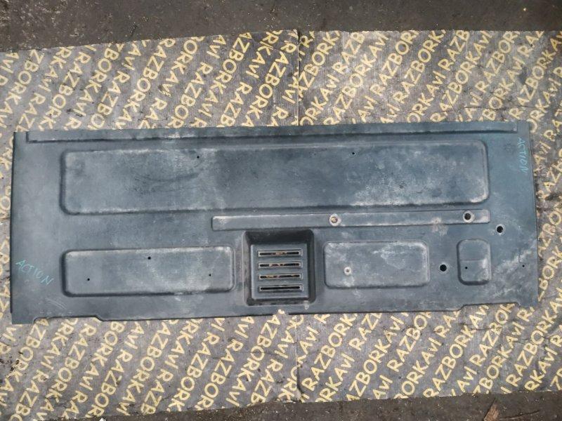 Обшивка двери багажника Ssangyong Actyon