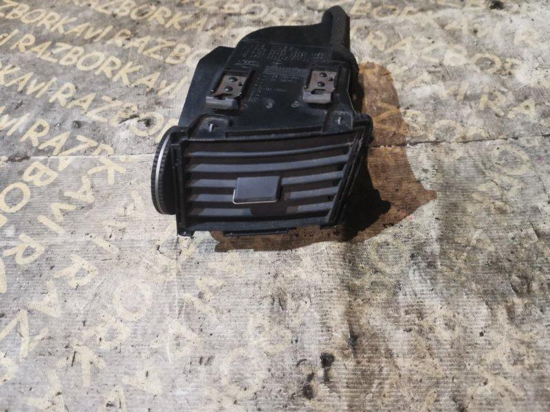 Дефлектор воздушный Infiniti Fx45 S50 правый