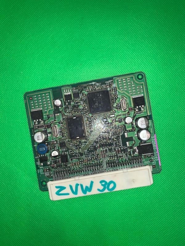 Электронный блок Toyota Prius ZVW30