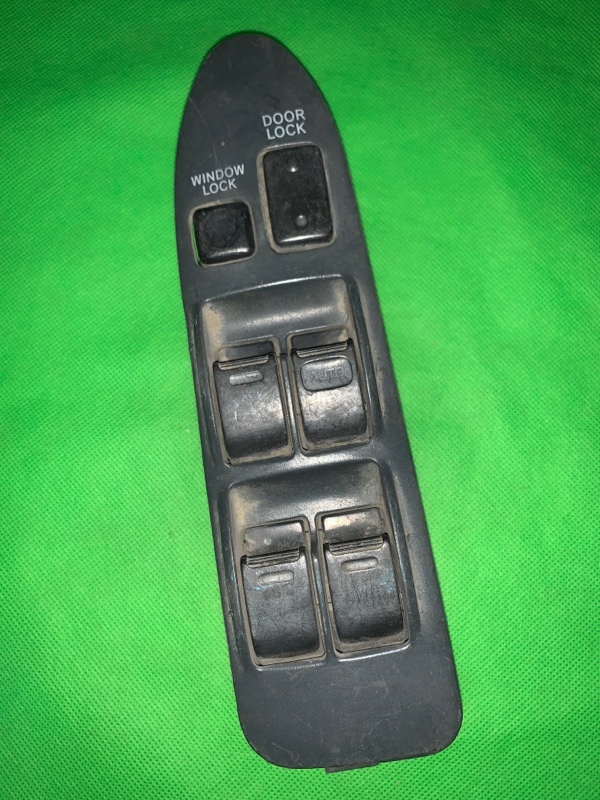 Пульт стеклоподъемника Toyota Corolla Ceres AE101 передний правый