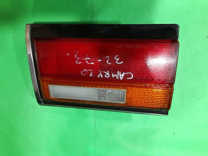 Стоп-вставка Toyota Camry SV20 задняя левая