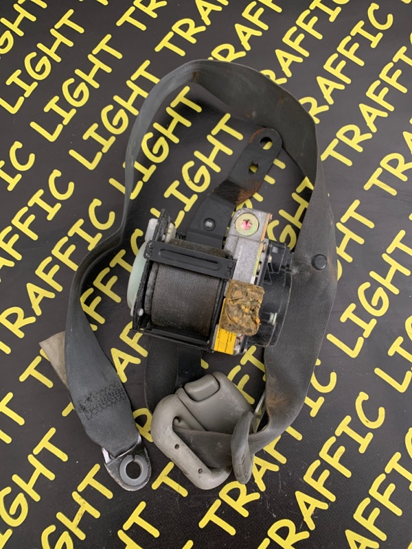 Ремень безопасности Toyota Mark Ii GX100 передний правый