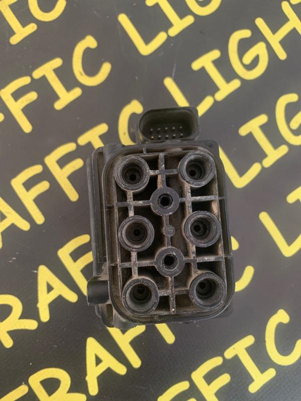 Блок клапанов Volkswagen Touareg 7LA