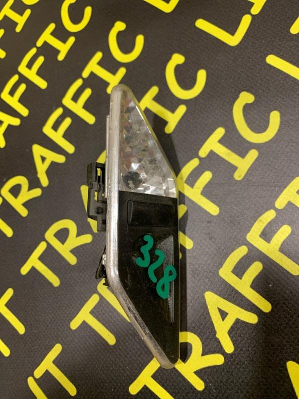 Плафон Bmw 3-Series E46 задний правый