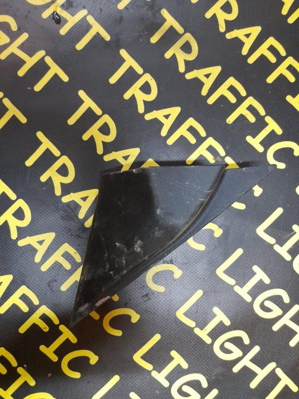Уголок крыла передний правый