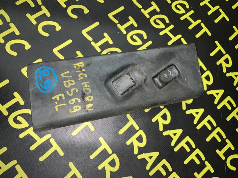 Пульт стеклоподъемника Isuzu Bighorn UBS25DW передний левый