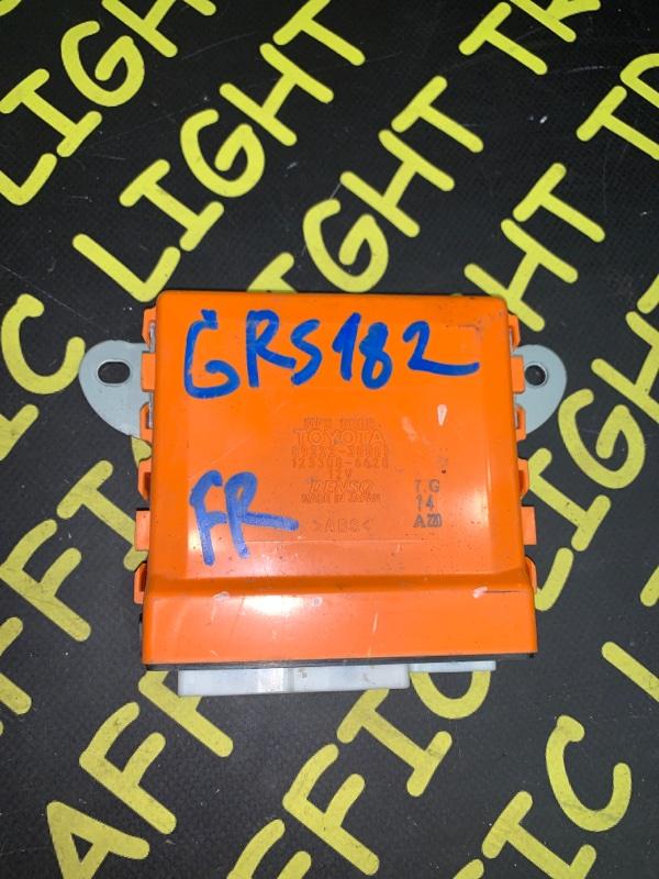 Блок управления дверьми Toyota Crown GRS180 передний правый