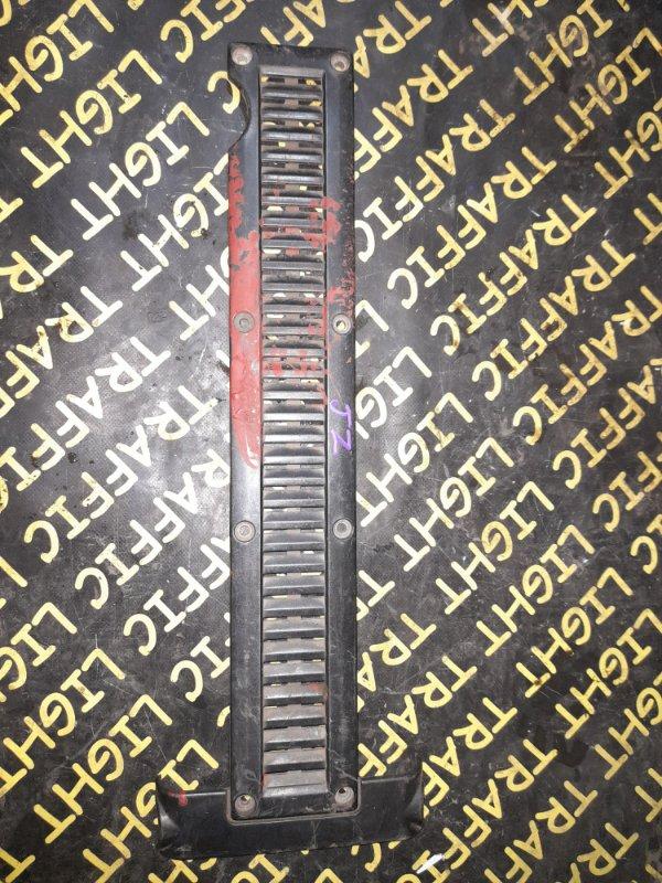 Крышка двс декоративная Toyota Mark Ii JZX90 1JZGTE