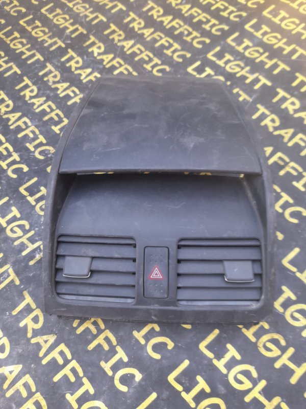 Консоль центральная Suzuki Sx4 YA41S