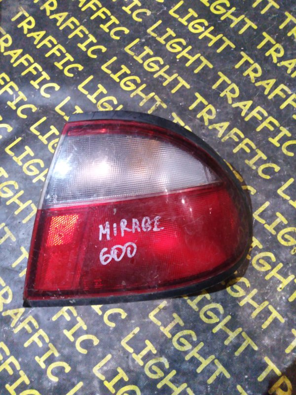 Стоп-сигнал Mazda Familia BHA8P задний правый