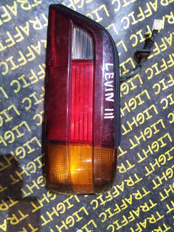 Стоп-сигнал Toyota Sprinter Trueno AE110 задний правый
