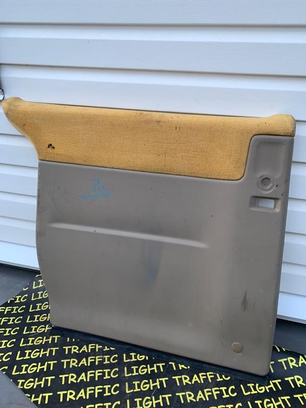 Обшивка дверей Honda Stepwgn RF3 задняя левая