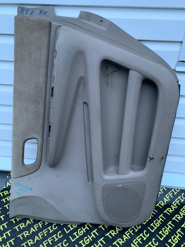 Обшивка дверей Honda Stepwgn RF3 передняя правая