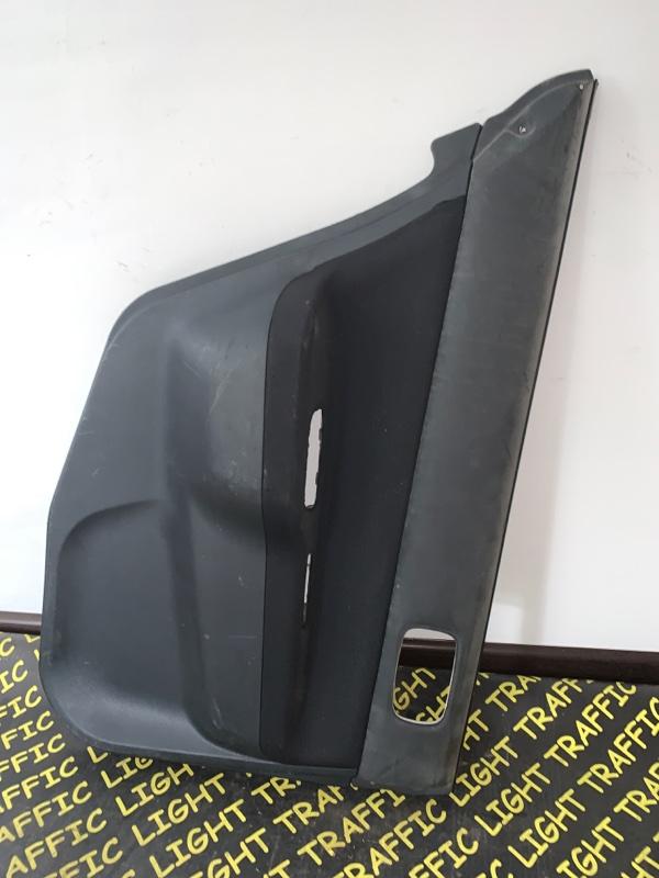 Обшивка дверей Mitsubishi Lancer Cedia CS5W задняя левая
