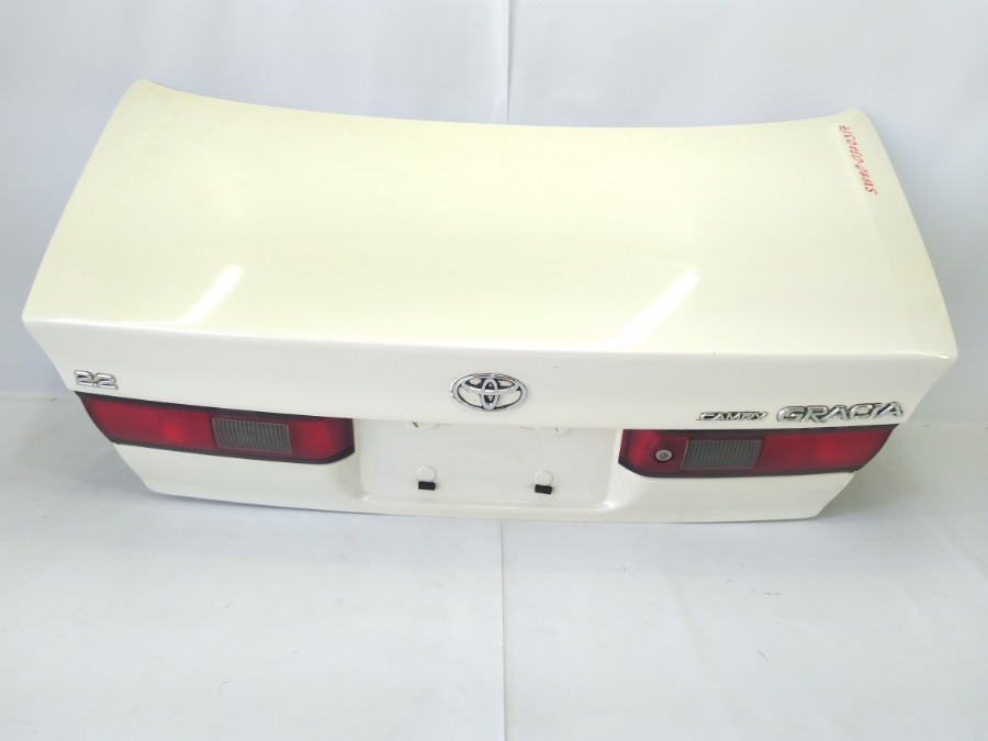 Крышка багажника Toyota Camry Gracia SXV20 5SFE 1999